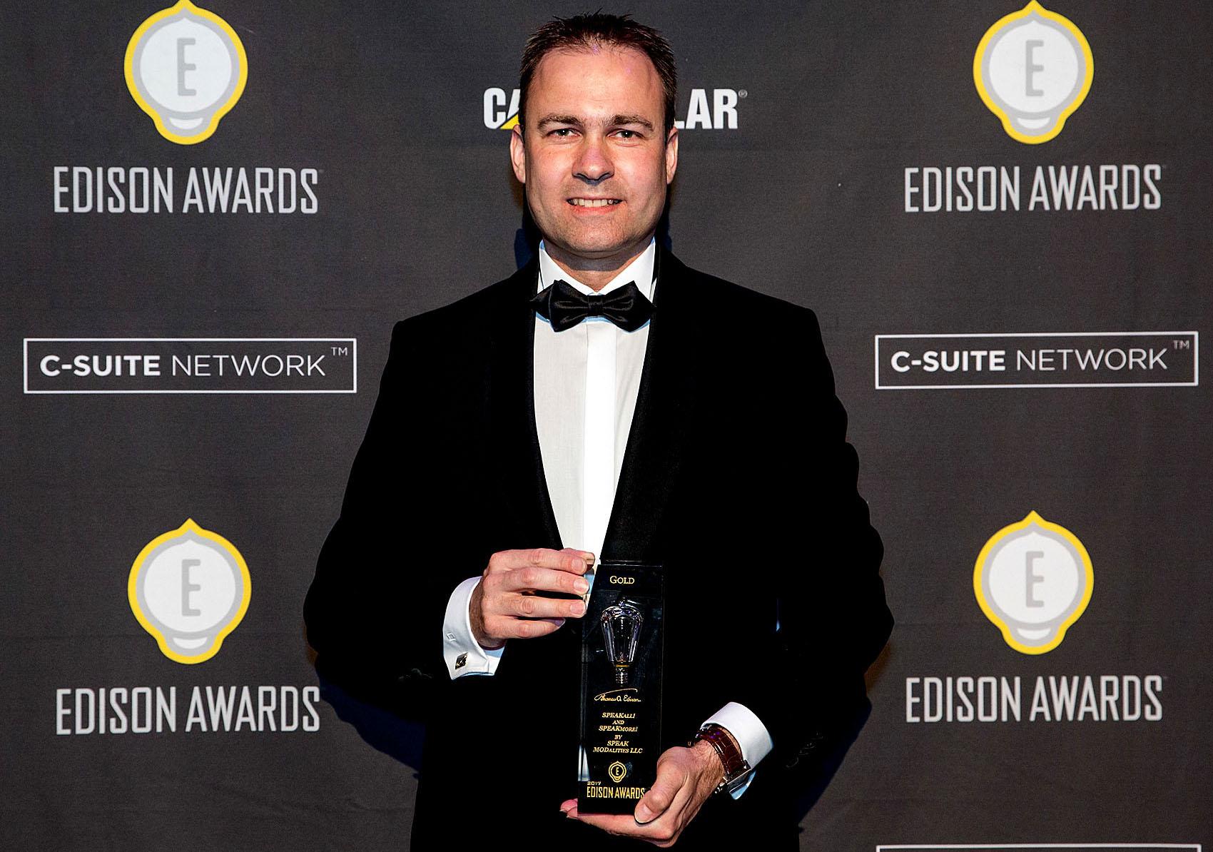 Dr. Oliver Wendt receives the 2017 Edison Gold Award